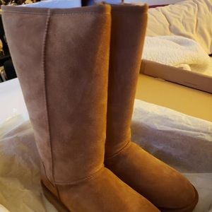 SOLD LOCALLY New UGG tan boots